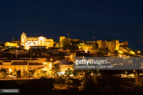 A view of the Silves Castle at night (on the right)