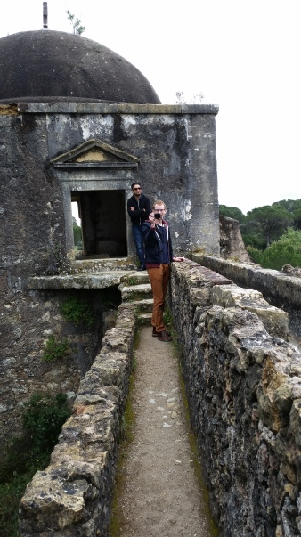 meta photos on an aqueduct in Tomar