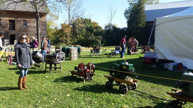 A steam engine display at the craft show!