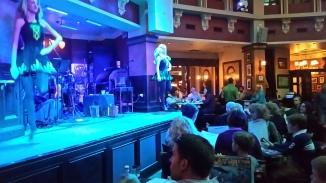 More in-house Irish dancing at Raglan Road!