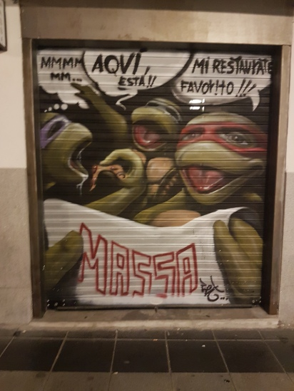 Ending the night on the streets of Madrid with a ninja turtle sighting!